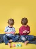 Δραστηριότητα και τέχνες Πάσχας παιδιών Στοκ φωτογραφίες με δικαίωμα ελεύθερης χρήσης