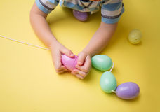 Δραστηριότητα και τέχνες Πάσχας παιδιών Στοκ Εικόνες