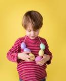 Δραστηριότητα και τέχνες Πάσχας παιδιών Στοκ φωτογραφία με δικαίωμα ελεύθερης χρήσης