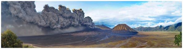 Δραστηριότητα της Ινδονησίας Bromo ηφαιστείων Στοκ Φωτογραφίες