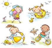 Δραστηριότητες θερινών παιδιών υπαίθρια ελεύθερη απεικόνιση δικαιώματος