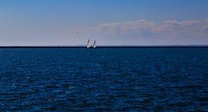 Δραστηριότητες και σκηνές στη Νέα Υόρκη Buffalo κατά μήκος της λίμνης Erie σε ένα απόγευμα άνοιξη Στοκ εικόνες με δικαίωμα ελεύθερης χρήσης