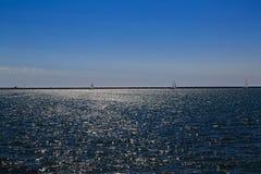 Δραστηριότητες και σκηνές στη Νέα Υόρκη Buffalo κατά μήκος της λίμνης Erie σε ένα απόγευμα άνοιξη Στοκ φωτογραφίες με δικαίωμα ελεύθερης χρήσης