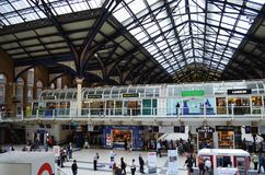 Δραστηριότητες στο σταθμό του Λίβερπουλ, Λονδίνο Στοκ φωτογραφίες με δικαίωμα ελεύθερης χρήσης