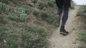 Δρομέας που εκπαιδεύει υπαίθρια απόθεμα βίντεο