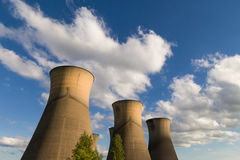 Δροσίζοντας πύργοι σταθμών παραγωγής ηλεκτρικού ρεύματος Willington Στοκ Φωτογραφίες
