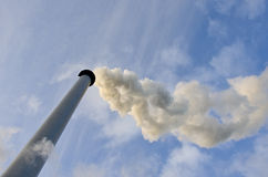 Δροσίζοντας πύργος οινοπνευματοποιιών Στοκ Φωτογραφίες