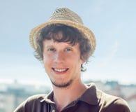 Δροσίστε hipster τον τύπο στο καπέλο Στοκ εικόνες με δικαίωμα ελεύθερης χρήσης
