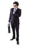 Δροσερός επιχειρηματίας με την αλυσοδεμένη βαλίτσα δέρματος Στοκ εικόνα με δικαίωμα ελεύθερης χρήσης