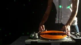 Δροσερό αρσενικό DJ