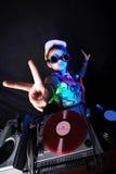 Δροσερό κατσίκι DJ στην ενέργεια Στοκ Εικόνες