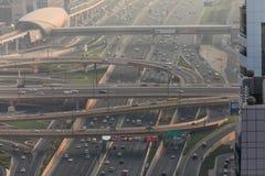 """????????, ?.?.?. - ??? ???????? ??? 2018 Δρόμοι Ï""""Î¿Ï… Ντουμπάι, σύνδεση, διατομή ΚυκλοφορίΠστοκ φωτογραφία με δικαίωμα ελεύθερης χρήσης"""
