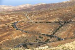 Δρόμοι Curvy στο αγροτικό τοπίο Fuerteventura στοκ φωτογραφία