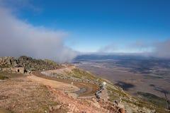 Δρόμος βουνών σε Pena το Francia, διάσημος προορισμός σε Σαλαμάνκα, Ισπανία στοκ φωτογραφία με δικαίωμα ελεύθερης χρήσης
