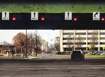 Δρόμος κάτω από overpass Στοκ εικόνες με δικαίωμα ελεύθερης χρήσης