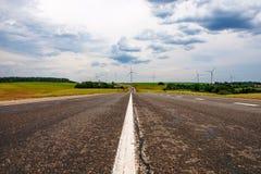 Δρόμος, λέσχες και ανεμοστρόβιλοι στοκ εικόνα