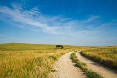 δρόμος λόφων αμμοχάλικου τσακμακόπετρας Στοκ εικόνα με δικαίωμα ελεύθερης χρήσης