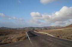 Δρόμος μέσω της ερήμου Στοκ Φωτογραφίες