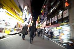 Δρόμος με έντονη κίνηση σε Akibahara τη νύχτα Στοκ φωτογραφίες με δικαίωμα ελεύθερης χρήσης