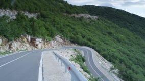 Δρόμος με πολλ'ες στροφές βουνών απόθεμα βίντεο