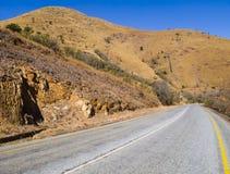 Δρόμος με πολλ'ες στροφές μέσω των βουνών της Νότιας Αφρικής Στοκ Εικόνα