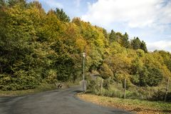 δρόμος Ουκρανία βουνών της Κριμαίας φθινοπώρου Στοκ Φωτογραφία