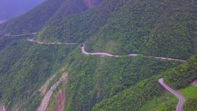 Δρόμος πέρα από την ακτή Yilan στην Ταϊβάν Έκταση Mountan της βορειοανατολικής ακροθαλασσιάς κοντά στην πόλη της Ταϊπέι ( φιλμ μικρού μήκους
