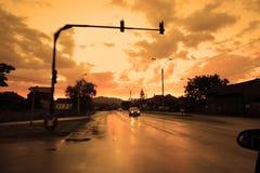 Δρόμος πόλεων με την ελαφριά κυκλοφορία Στοκ Εικόνες