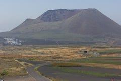 Δρόμος σε ένα ηφαίστειο στοκ εικόνες