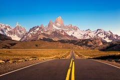 Δρόμος σε Fitz Roy Mountain Landscape στοκ φωτογραφία με δικαίωμα ελεύθερης χρήσης