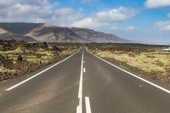 Δρόμος σε Orzola σε Lanzarote, Ισπανία Στοκ φωτογραφία με δικαίωμα ελεύθερης χρήσης