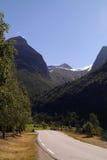 Δρόμος στα βουνά Στοκ εικόνες με δικαίωμα ελεύθερης χρήσης