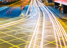 Δρόμος στα ελαφριά ίχνη πόλεων Στοκ Φωτογραφίες