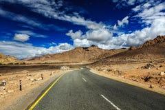 Δρόμος στα Ιμαλάια Ladakh, Ινδία στοκ εικόνες με δικαίωμα ελεύθερης χρήσης
