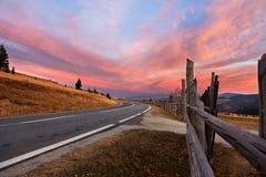 Δρόμος στα Καρπάθια βουνά Στοκ Φωτογραφίες