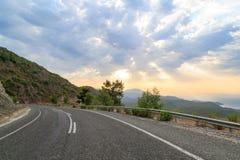 Δρόμος στα μεσογειακά βουνά Στοκ Εικόνες