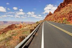 Δρόμος στην έρημο της Αριζόνα Στοκ φωτογραφία με δικαίωμα ελεύθερης χρήσης