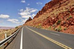 Δρόμος στην έρημο της Αριζόνα Στοκ φωτογραφίες με δικαίωμα ελεύθερης χρήσης