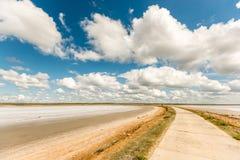 Δρόμος στην αλατισμένη λίμνη Elton Στοκ φωτογραφίες με δικαίωμα ελεύθερης χρήσης