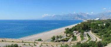 Δρόμος στην παραλία Konyaalti σε Antalya, Τουρκία Στοκ Φωτογραφία