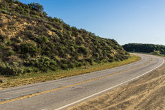 Δρόμος στους νότιους λόφους Καλιφόρνιας Στοκ φωτογραφία με δικαίωμα ελεύθερης χρήσης
