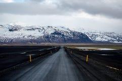 Δρόμος στο βουνό χιονιού Στοκ Εικόνα