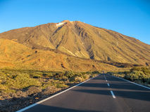 Δρόμος στο ηφαίστειο Teide Στοκ φωτογραφία με δικαίωμα ελεύθερης χρήσης