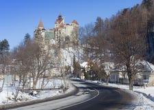 Δρόμος στο κάστρο πίτουρου, σύμβολο Dracula στοκ φωτογραφίες