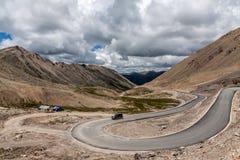 Δρόμος στο οροπέδιο του Θιβέτ στοκ φωτογραφίες