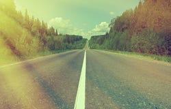 Δρόμος στο ρωσικό δάσος Στοκ Φωτογραφία
