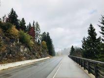 Δρόμος του τοπίου φθινοπώρου Στοκ φωτογραφίες με δικαίωμα ελεύθερης χρήσης