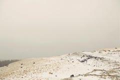 Δρόμος χειμερινών βουνών Στοκ Φωτογραφίες