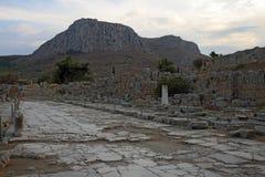 Δρόμος Lechaio σε αρχαίο Corinth, Ελλάδα Στοκ εικόνα με δικαίωμα ελεύθερης χρήσης