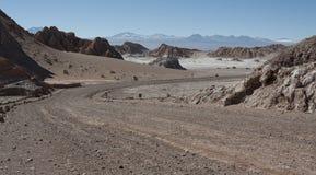 Δρόμος Valle de Λα Luna Moon στην κοιλάδα στην έρημο Atacama κοντά σε SAN Pedro de Atacama, Antofagasta - Χιλή Στοκ εικόνες με δικαίωμα ελεύθερης χρήσης